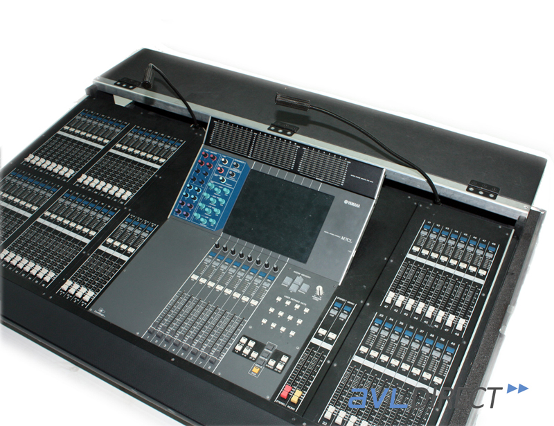 yamaha m7cl 48 channel digital mixer m7 console w case ebay. Black Bedroom Furniture Sets. Home Design Ideas